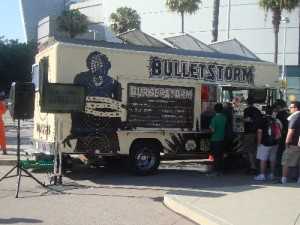 Free burgers at the Bulletstorm truck: always a good thing!