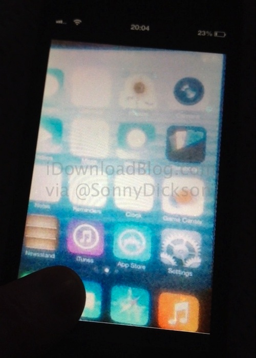 ios-7-home-screen-leak-ogrady-576x805