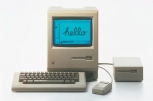 retouchphoto_apple_macintosh_1984_high_res_clean1-580x386