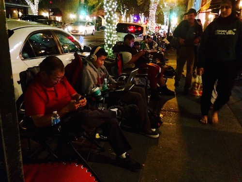 Line attendees wait for the Apple Store to open during the Palo Alto iPhone 6 launch.